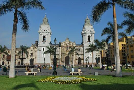 Lima - Catedral - Plaza principal