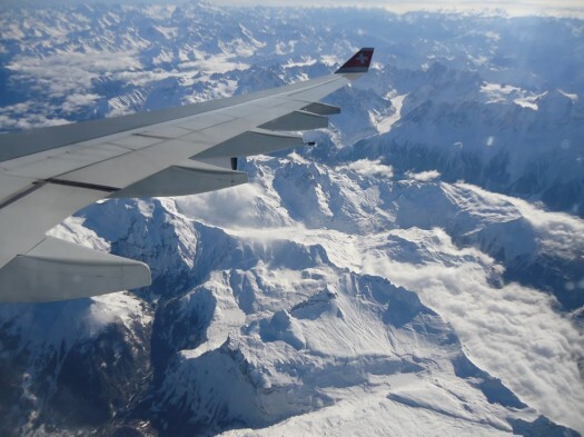 Sobrevoando os Alpes Suíços - vôo LX0093 - GRU x ZRH
