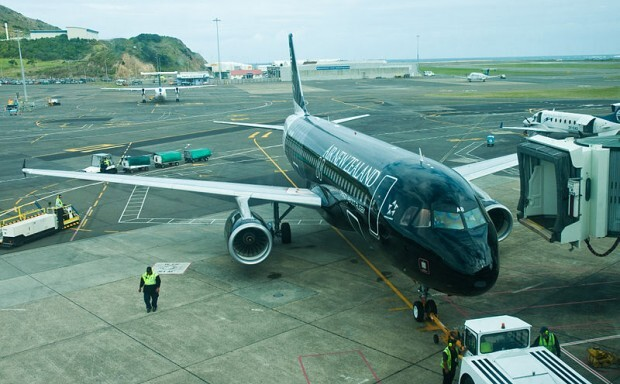 800px-Air_New_Zealand_Airbus_A320-200_ZK-OAB_Wellington_International_Airport
