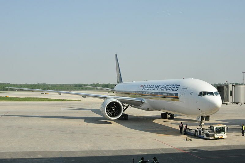 Singapore_Airlines_B777-300(9V-SWS)_(3476076865)