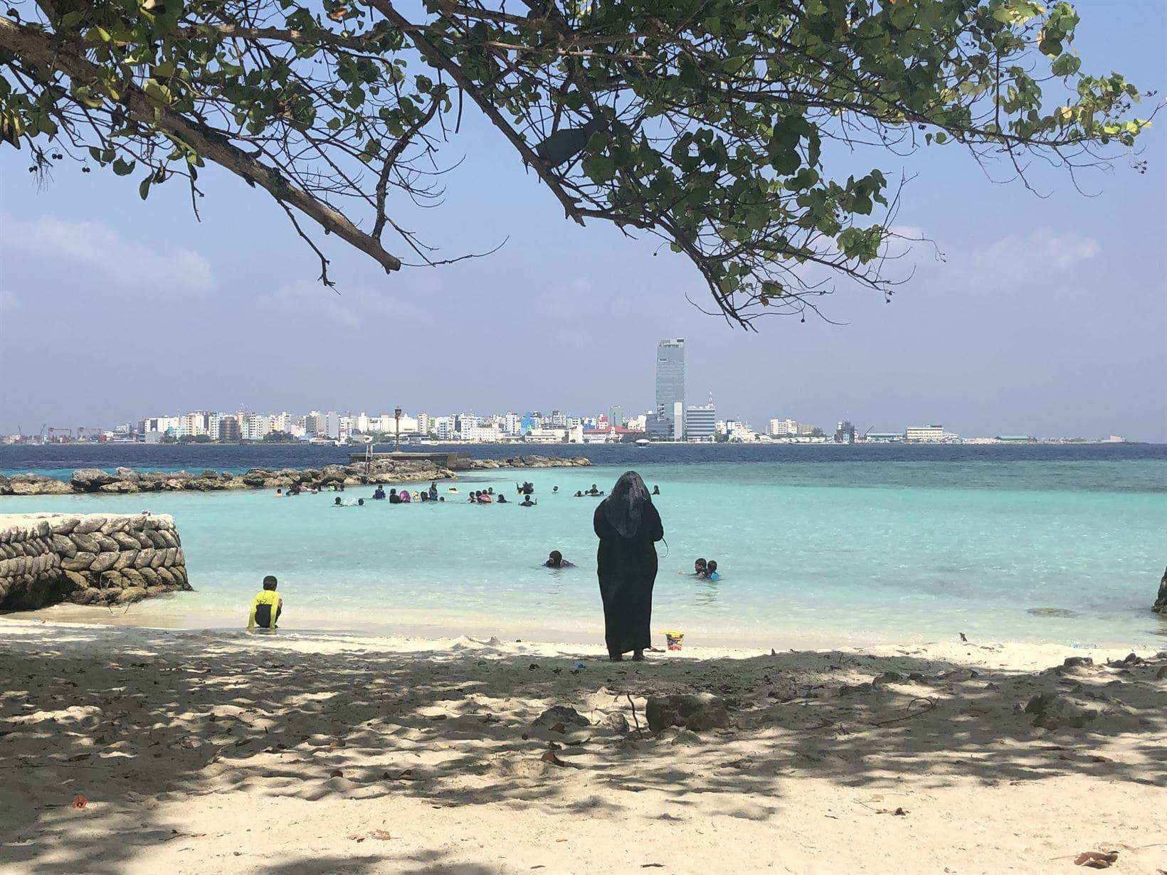 male predios praia maldivas